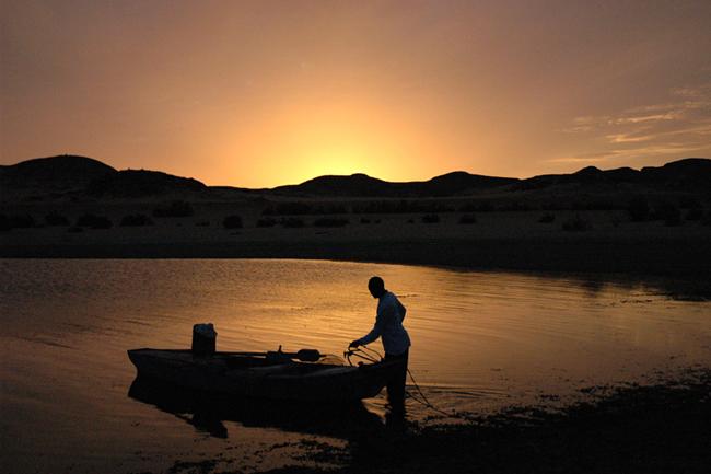 Lejos del bullicio del Nilo, la vida en el Lago Nasser sigue otro ritmo.
