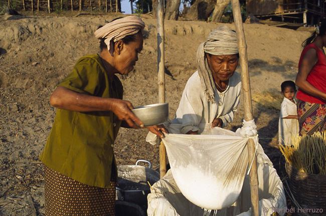 Don Det preparando noodles 2