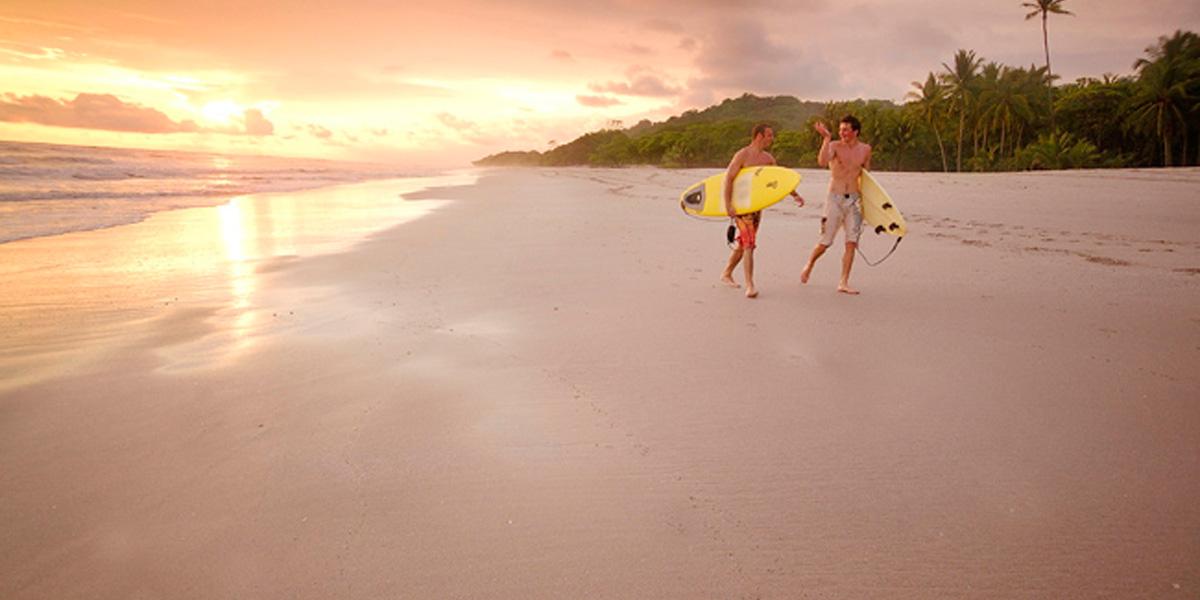 LOS MEJORES LUGARES PARA SURFEAR EN COSTA RICA